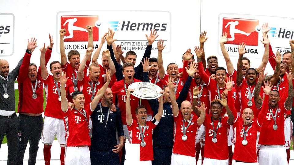 جشن قهرمانی بایرن مونیخ در بوندسلیگا آلمان فصل 2016-2015